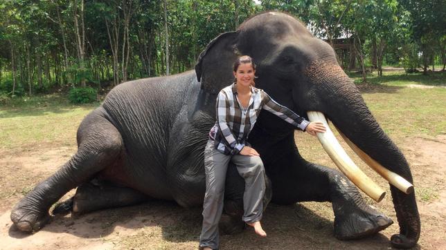 Anna besucht heute die Elefantenpatrouille des Nationalparks Way Kambas auf der indonesischen Insel Sumatra.