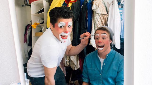 Tobi (rechts) mit Clown Tonito Alexis
