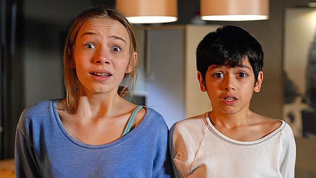 Jessi (Martha Fries) und Luis (Emilio Sanmarino)