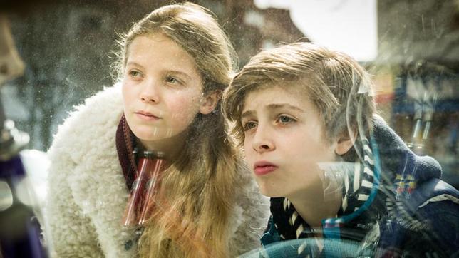 Stella (Zoë Malia Moon) und Till (Otto von Grevenmoor).