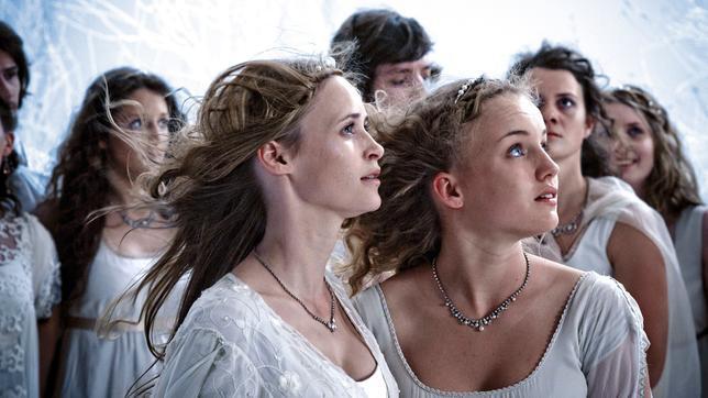 Sechs auf einen Streich Die zertanzten Schuhe Märchenfilm Deutschland 2011: Die zwölf Prinzessinnen auf dem nächtlichen Ball