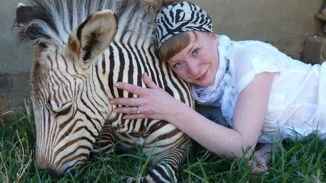 Paula und ein Zebra