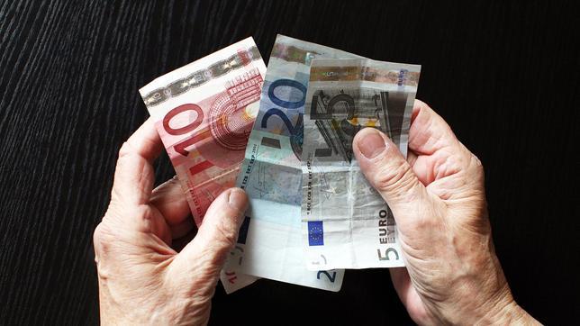 Verschenke Geld An Bedürftige