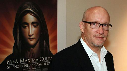 "Alex Gibney bei der Vorstellung von ""'Mea Maxima Culpa: Silence in the House of God', in Rom am 18.03.2013 (Bild: dpa/  Fabio Campana)"