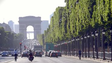 Der Champs Elysees in Paris
