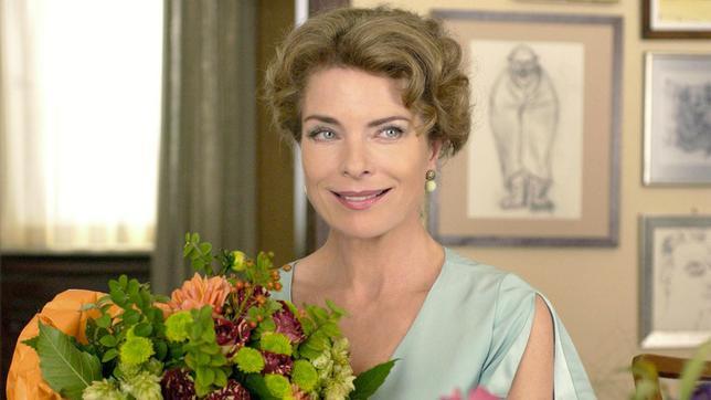 Blumen Für Die Dame: Vera (Gudrun Landgrebe) Feiert 50. Geburtstag.