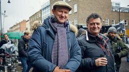 Sherlock: Mark Gatiss und Steven Moffat am Set