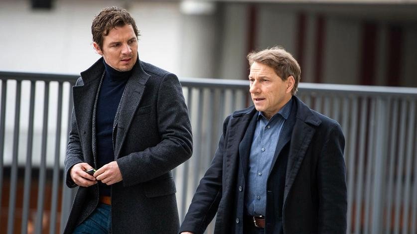 SebastianBootz(FelixKlare)undThorstenLannert(RichyMüller)müssendenMordaneinemehemaligenStaatssekretäraufklären.BrisantwirdderFall,weilerwahrscheinlichmitStuttgart21zusammenhängt.