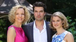 Melanie Wiegmann, Moritz Tittel und Lucy Scherer am Set (Bild: ARD/ Veronika Sepp)