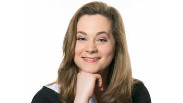 Christin Balogh als Tina