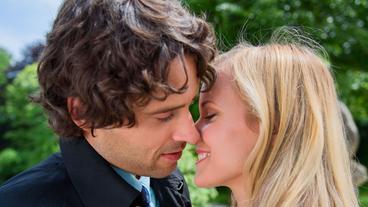 ... Liebe - Luisa (Magdalena Steinlein) ist glücklich, dass <b>Sebastian (Kai</b> - sturm-der-liebe-luisa-magdalena-steinlein-ist-gluecklich-dass-sebastian-kai-albrecht-sie-als-seine-freundin-bezeichnet-100~_v-standard368_e7d81e