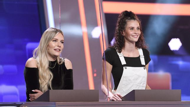 "Die Kandidatinnen des Teams ""Beauty"": Die Influencerin Dagi Bee und das Model Betty Taube."