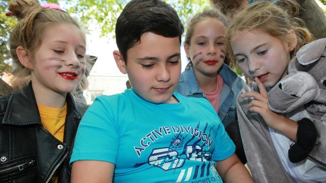 """Wie gestalten Kinder Schule, wenn sie die Chance dazu bekommen? Das zeigen die Schüler*innen der Kölner Michael-Ende-Grundschule bei dem Experiment """"Wir machen Schule!"""" und ihrem Programm für einen Schultag."""
