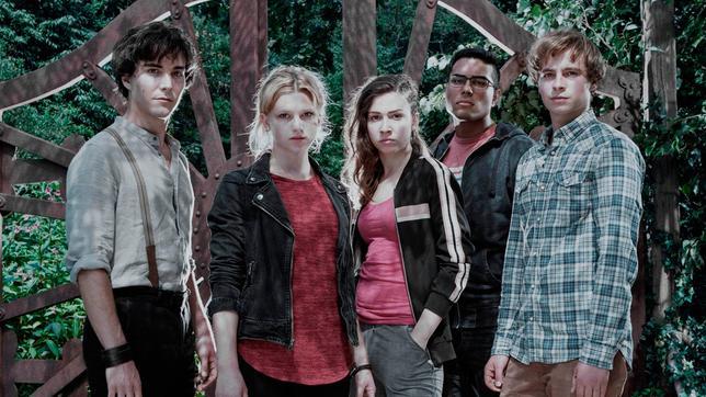 Die neue Staffel ab Ostern 2017 im Ersten mit (v.l.) François Goeske (Arman), Sinje Irslinger (Charlie), Amina Merai (Jenny), Kaan Sahan (Tarik) und Matti Schmidt-Schaller (Dimitri).