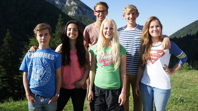 Mahtab, David, Henriette, Viviane, Julien und Niklas in Transsilvanien
