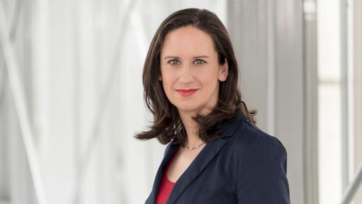 Nackt moma moderatorin Annika Zimmermann