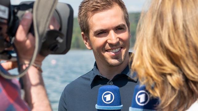 Jessy Wellmer interviewt Philipp Lahm