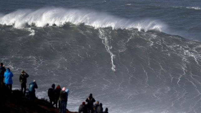 Big-Wave-Surfer Sebastian Steudtner in Nazare