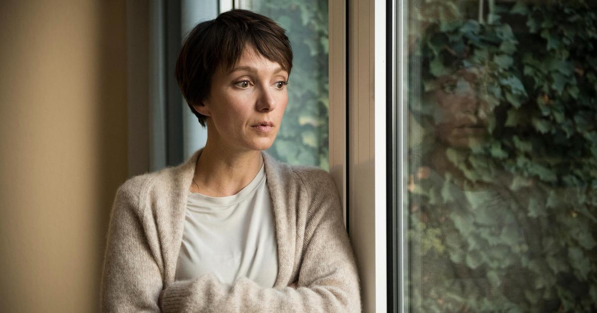 Julia Koschitz Interview