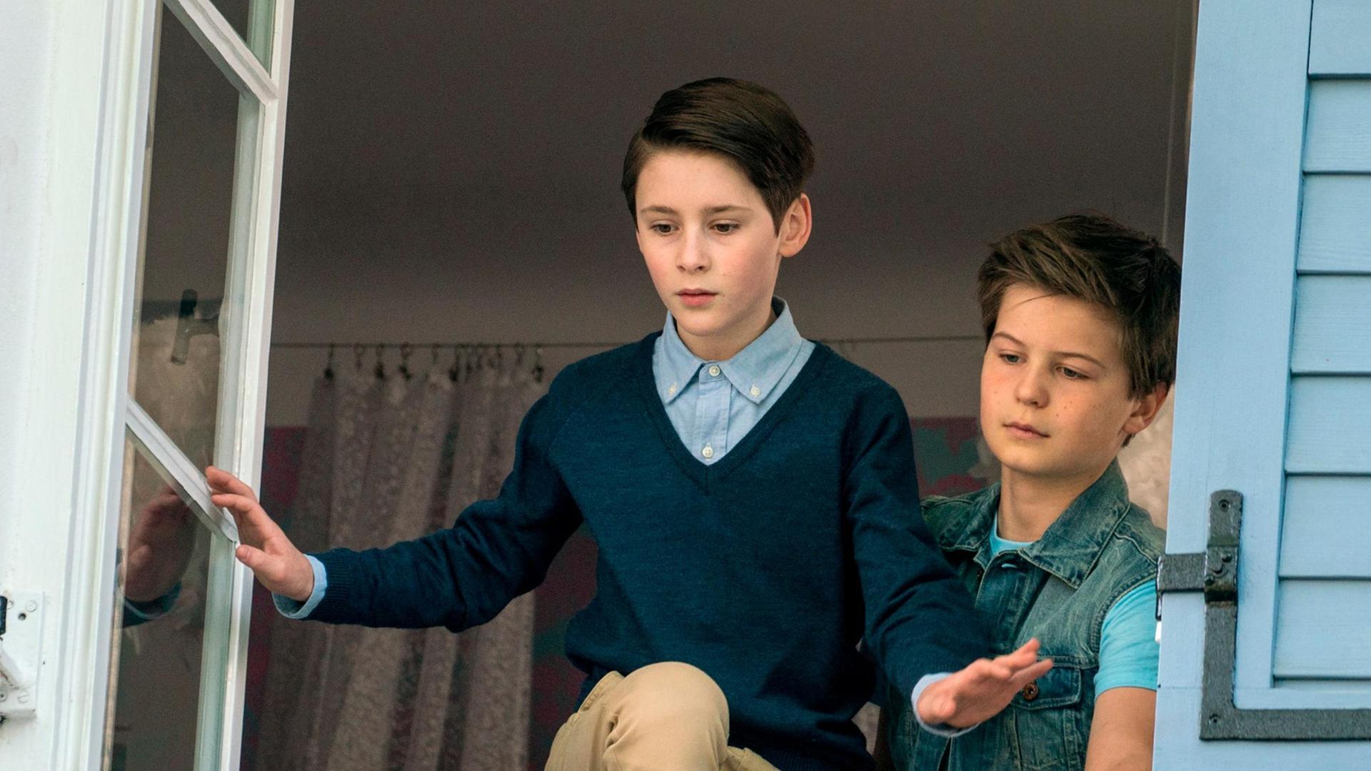 William (Levis Kachel) und Eddie (Fillin Mayer) auf dem Weg zu ihrer Mutprobe.