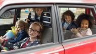 Kinder spielen in Gerds Auto