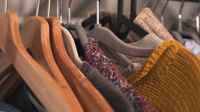Video: Mehr Platz Im Kleiderschrank