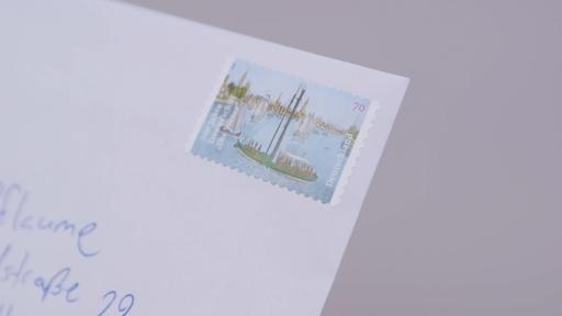 Um Eine Briefmarke Wer Weiß Denn Sowas
