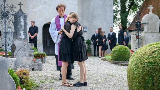 Bilder Romys Bewegende Beerdigung Sturm Der Liebe Ard Das Erste